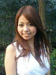 稲垣吾郎 彼女 25歳 岡安麻里子