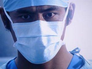 坂口憲二 現在 医師免許