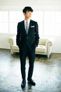 坂口健太郎 画像 高画質 スーツ