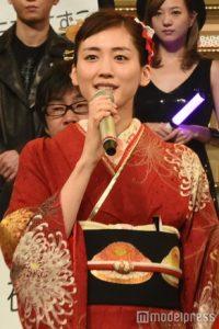 綾瀬はるか 紅白 衣装 着物