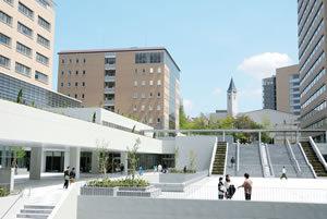 坂口健太郎 大学 明星